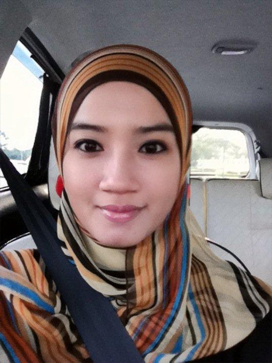 Foto: Cewek Berjilbab Seksi dan Cantik | Yang Hot Hot