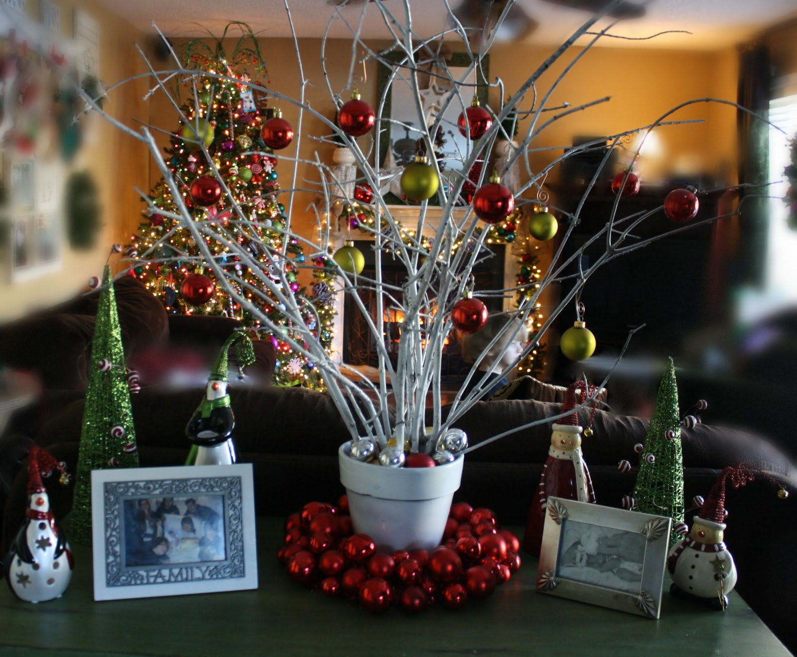 from the yard can of spray paint i had christmas balls i had done. Black Bedroom Furniture Sets. Home Design Ideas