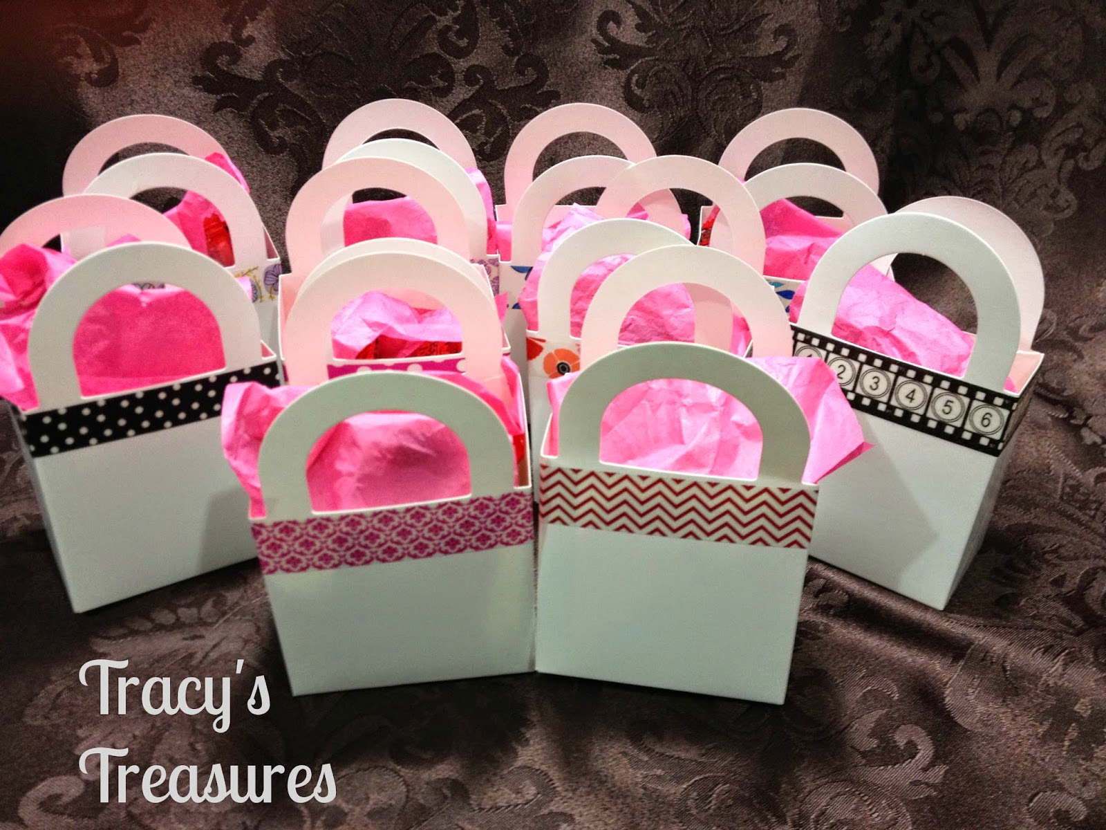 Tracys Treasures: Quick Gift Bags for my Crop & Create Friends