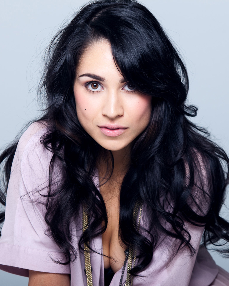 Canadian Celebrities Hairstyle - Cassie Steele