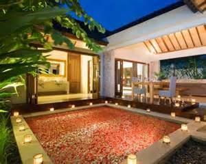 Adapun ruangan-ruangan yang berada di dalam villa sendiri pada umumnya hampir sama dengan beberapa ruangan inti yang ada di rumah anda