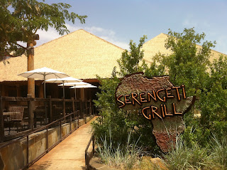 Serengeti Grill Dallas Zoo Lions BBQ Barbecue Barbeque Bar-B-Que Bar-B-Q Texas Brisket Sandwich Fries