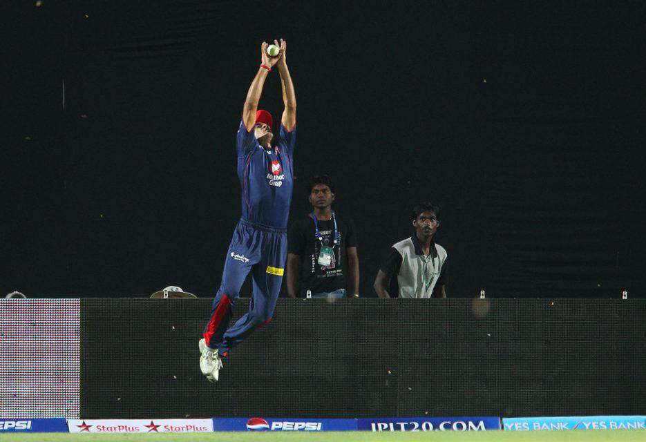 Siddarth-Kaul-catch-KXIP-vs-DD-IPL-2013