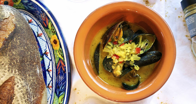 Curried Mussels: simplelivingeating.com