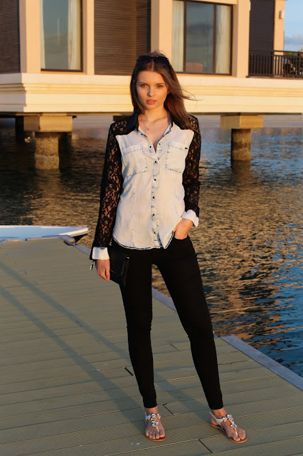 IMG 6818 - LACE BLOUSE IN JEANS