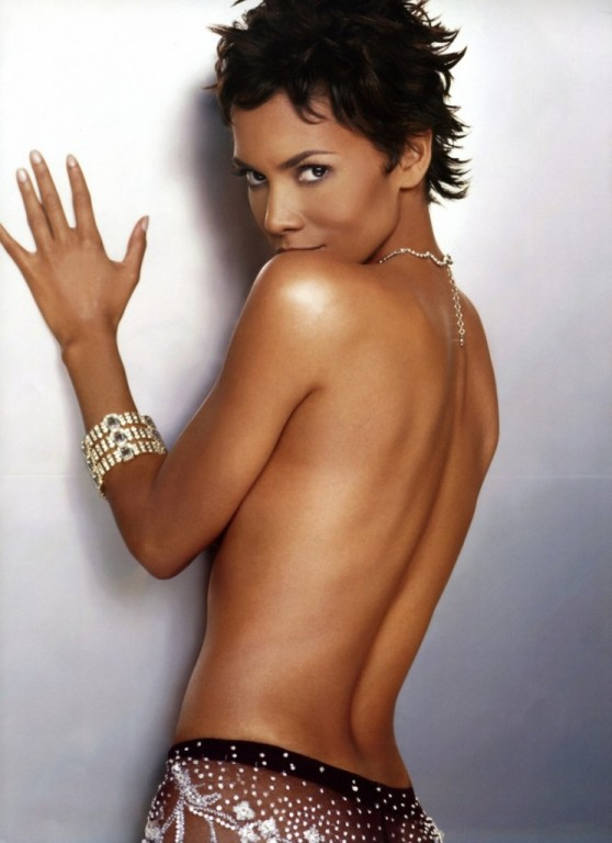 PICS.COM .NAKEDPUSSY HALLE BERRY