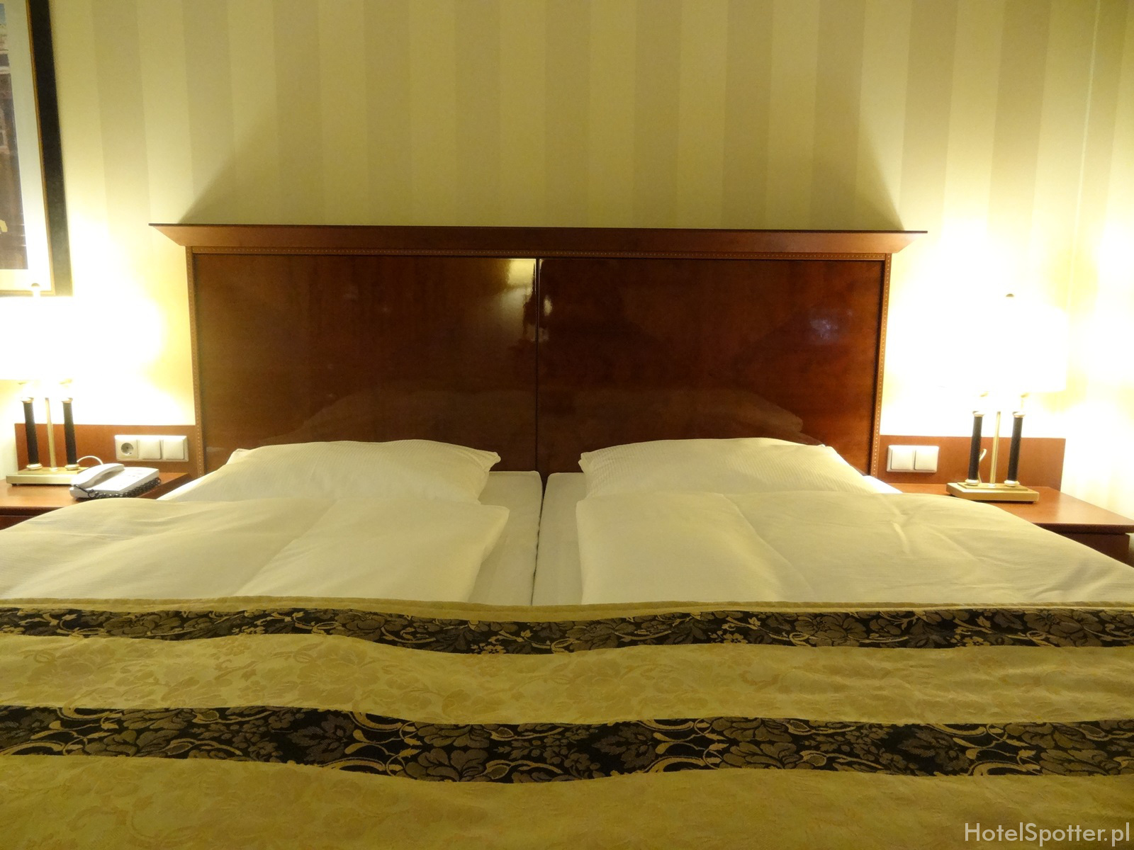 Maritim Hotel Berlin - pokoj Superior room double bed