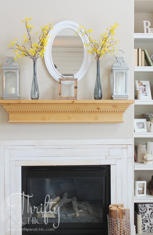Thrifty and Chic DIY Projects and Home Decor – Simple Mantel Decor