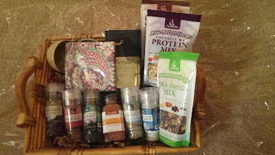 Gourmet+On+the+go All Natural Gourmet Specialties For the Holidays - Nut Gift Baskets