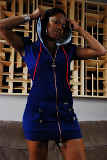 DE artist Ebony Davis Poses for her photo shoot