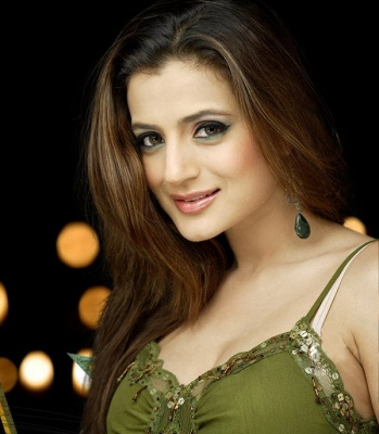 Ex Amish Women http://www.starfug.com/2011/08/amisha-patel-profile-and-starting-of.html