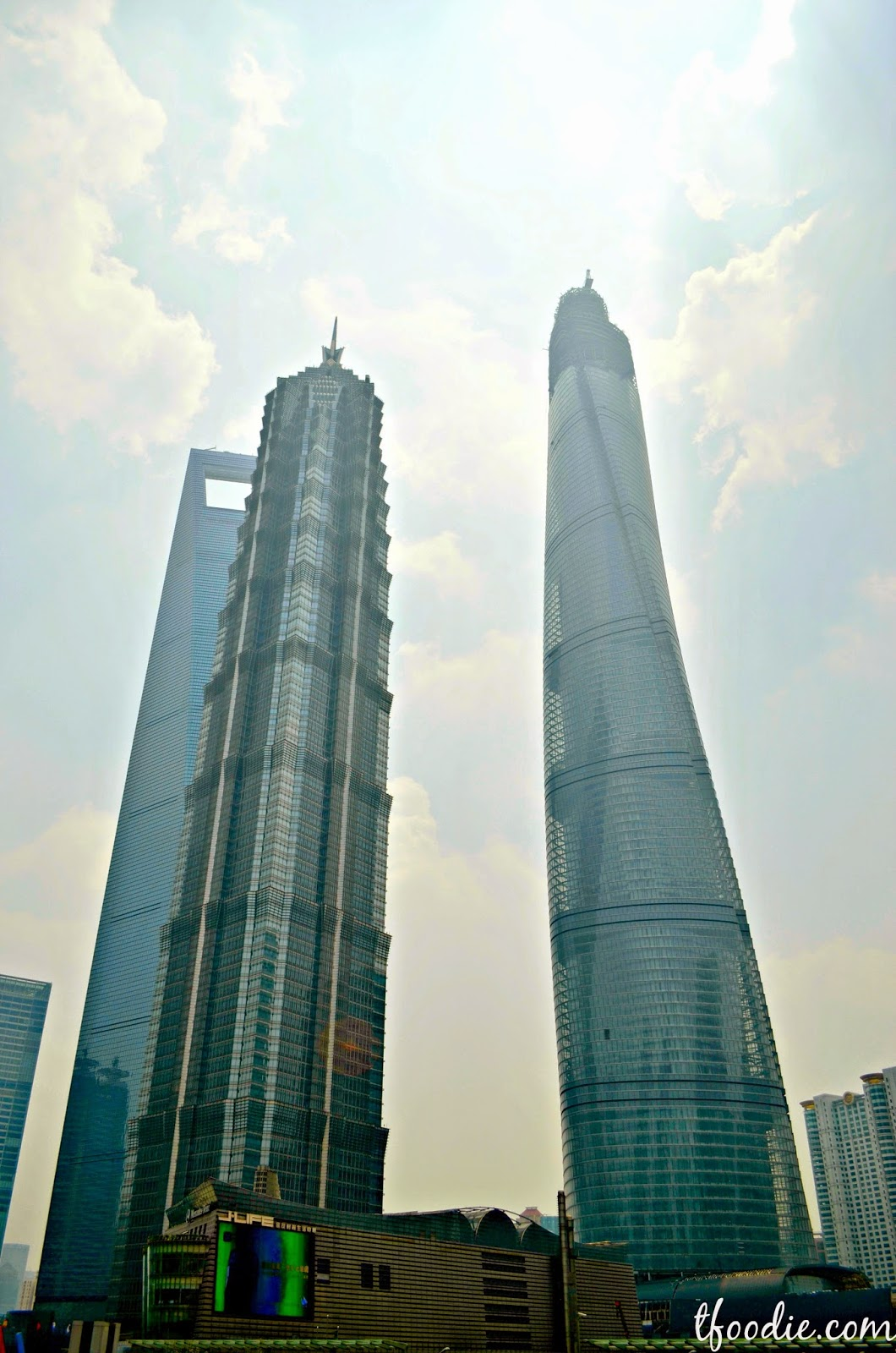 The traveling foodie: Pudong & SWFC, Shanghai