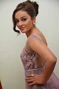 Seerath Kapoor glamorous photos-thumbnail-20