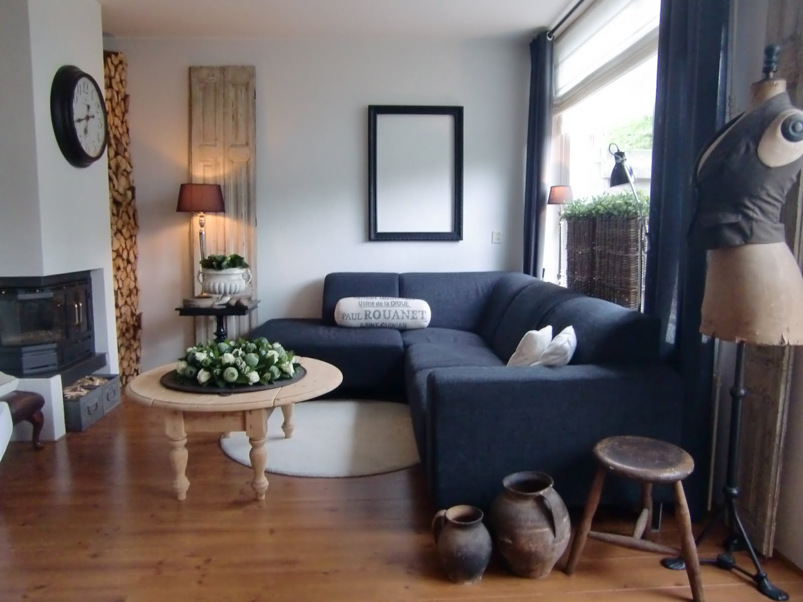 A Place Called Home: Onze woonkamer