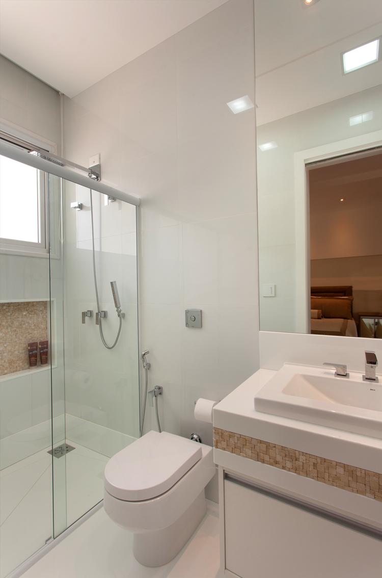 Casa com arquitetura e decoração contemporânea e clássica  linda! Entre e co -> Decoracao De Banheiro Com Pastilhas Bege