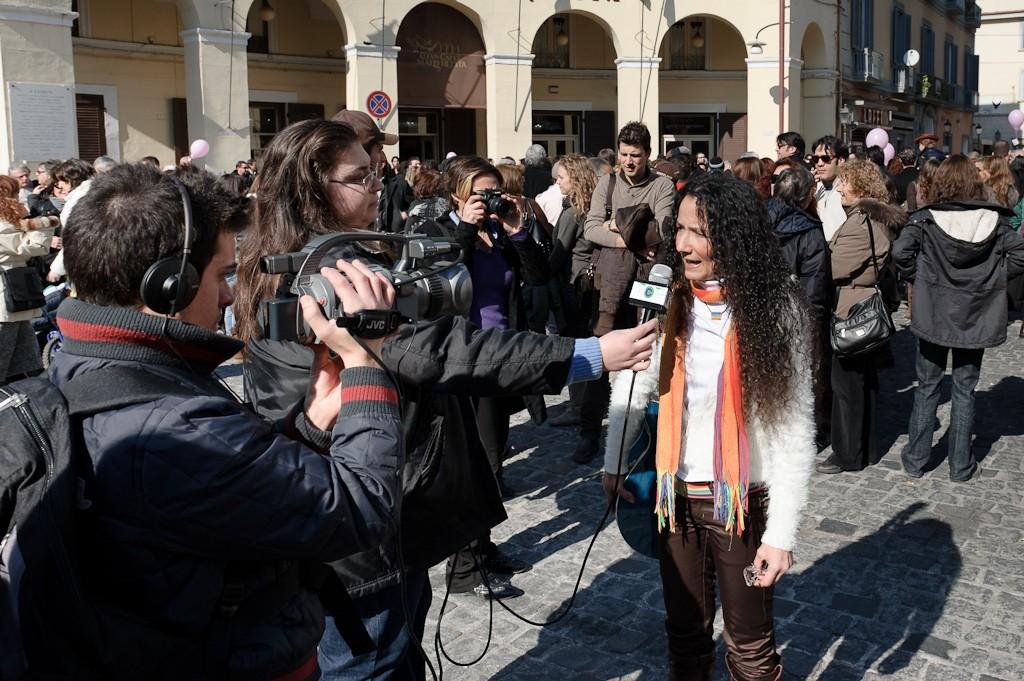 Ospita la cantautrice e Testimonial della Pace Agnese Ginocchio
