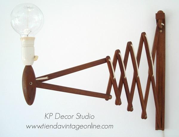Aplique de madera danés marca le klint diseñado por Erick Hansen