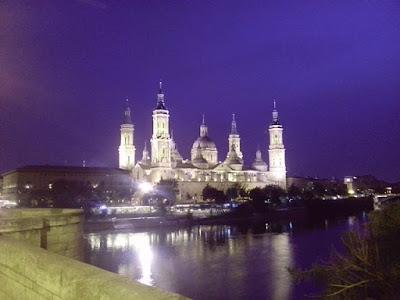 El Ebro, Basilica del Pilar, Zaragoza.