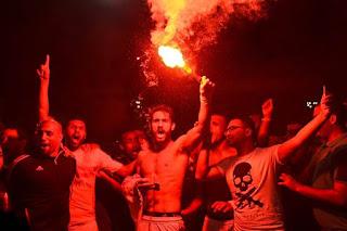 شاهد  فرحة وجنان لاعبي الزمالك والإحتفال بالدوري أوووووووووو زملكاوي