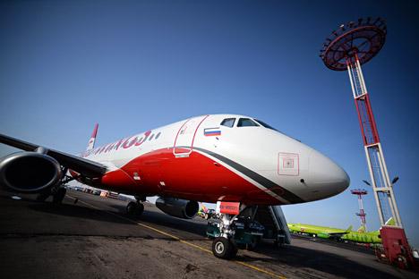 Rusia Ingin Komponen Pesawat SSJ-100 diproduksi di PT. Dirgantara Indonesia