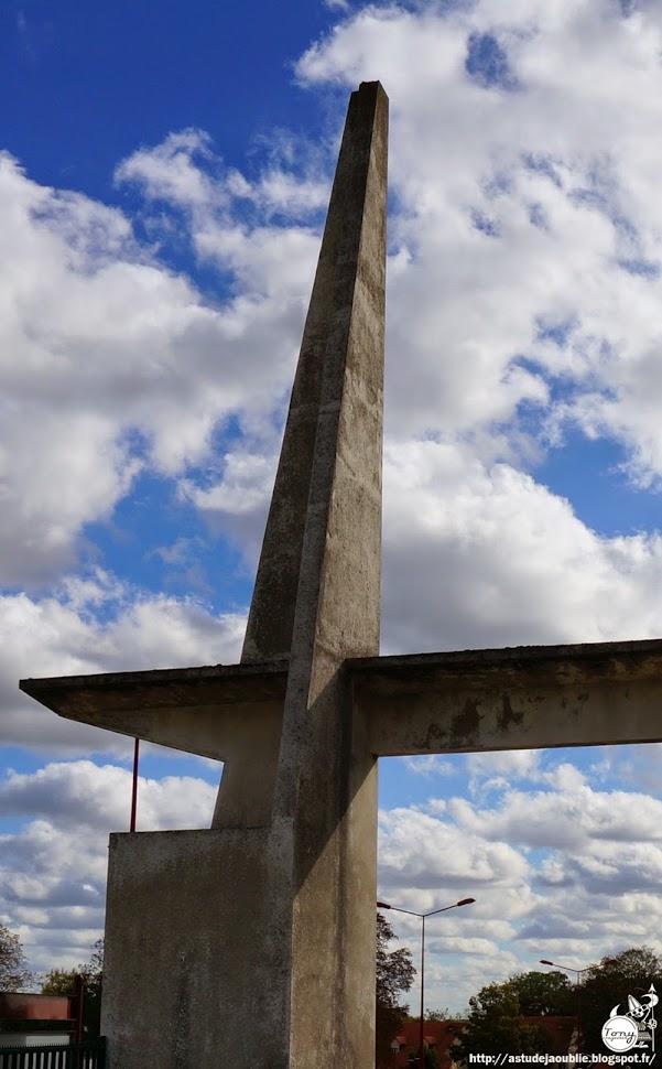 Gonesse - Entrée du Stade Eugène Cognevaut  Architecte:  Construction: