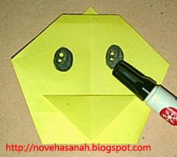 cara melipat kertas origami menjadi bentuk ayam yang sangat mudah sehingga cocok untuk anak TK atau anak SD langkah 14