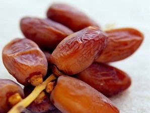 khasiat dan manfaat buah kurma