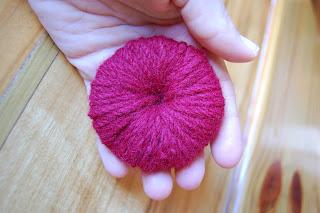 how to make a pom pom with yarn 6