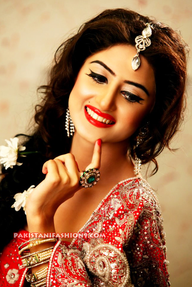 Sajal Ali is stunning Pakistani widely known actress.she was famous