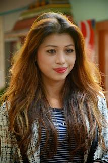 Alisha Tamil Actress with Cat Eyes Lovely Pics