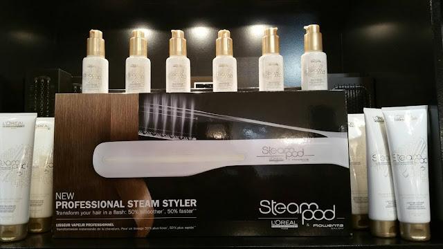 Le nouveau Steampod White de L'Oréal, lisseur vapeur assurant un superbe résultat de lissage et soin.