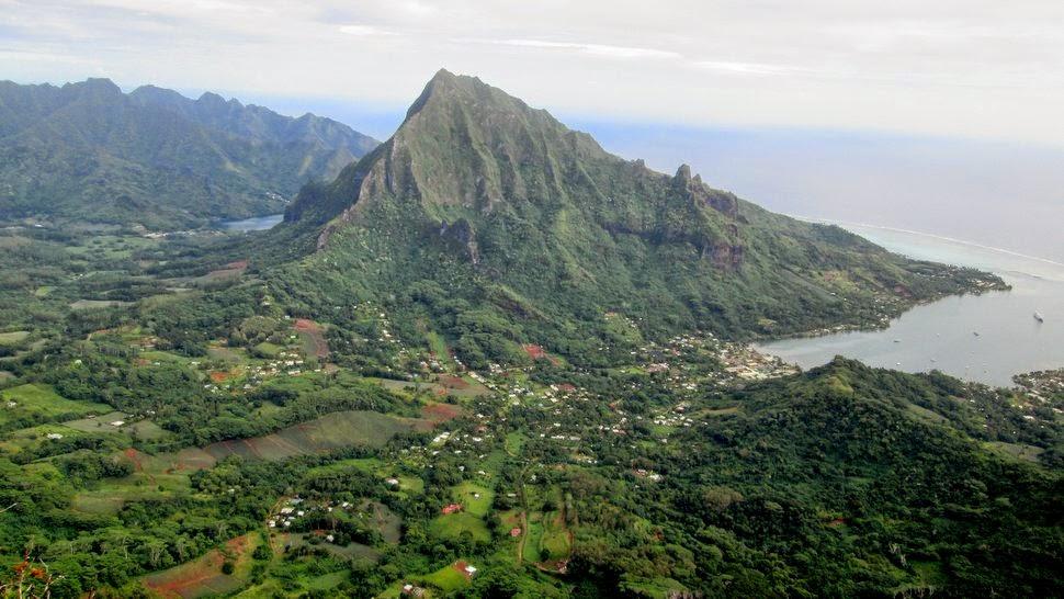 Pao Pao et le mont Rotui à Moorea