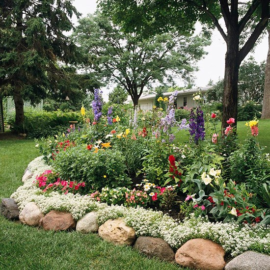 Controlling craziness inspiration for the weekend 15 for Flowers for flower beds