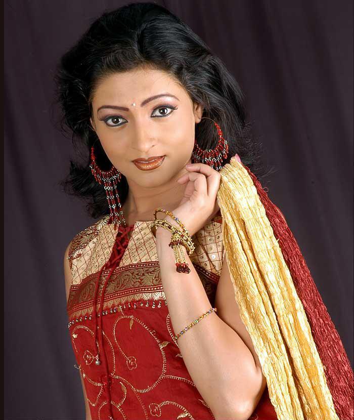 divya nude asshole