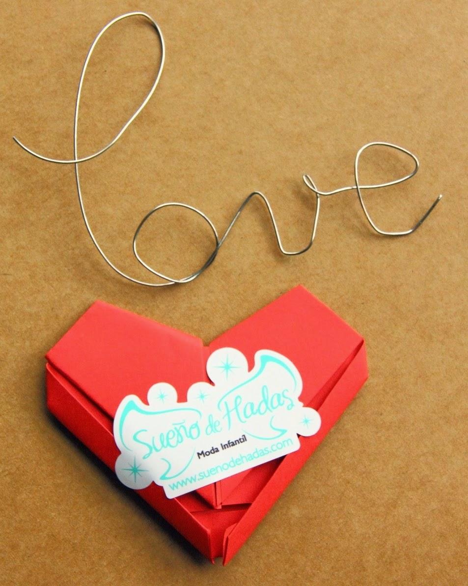 carta con forma de corazon-origami