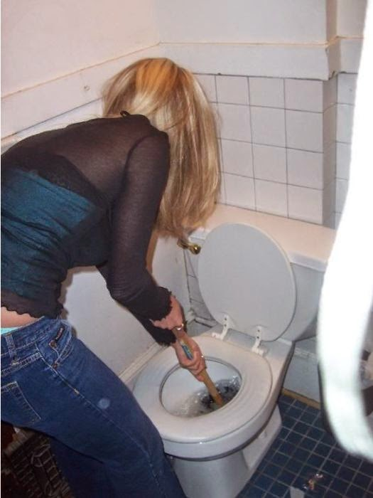 uborshitsa-tualeta-porno