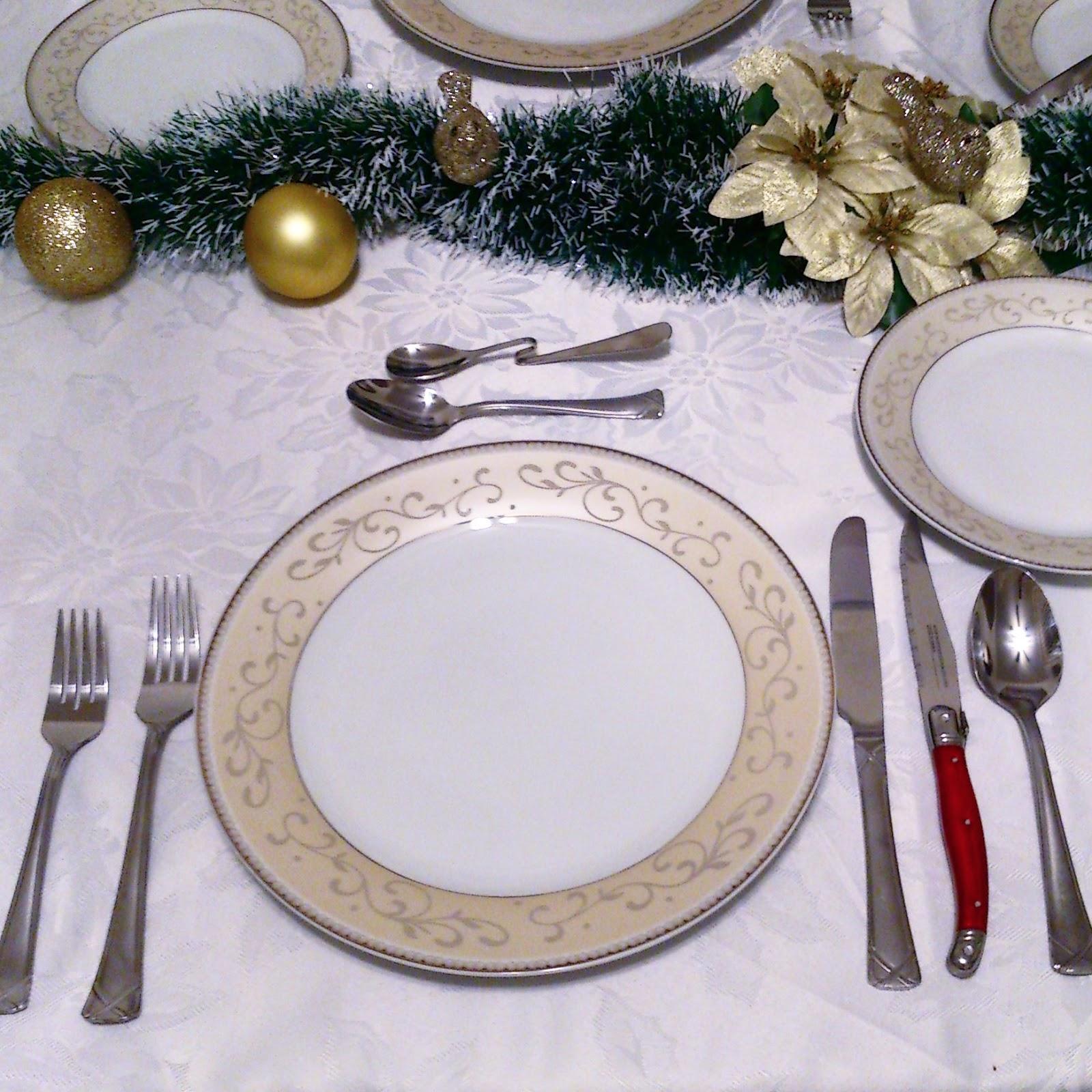 Une belle table blanche comme neige gr ce oxiclean - Position des verres sur une table ...