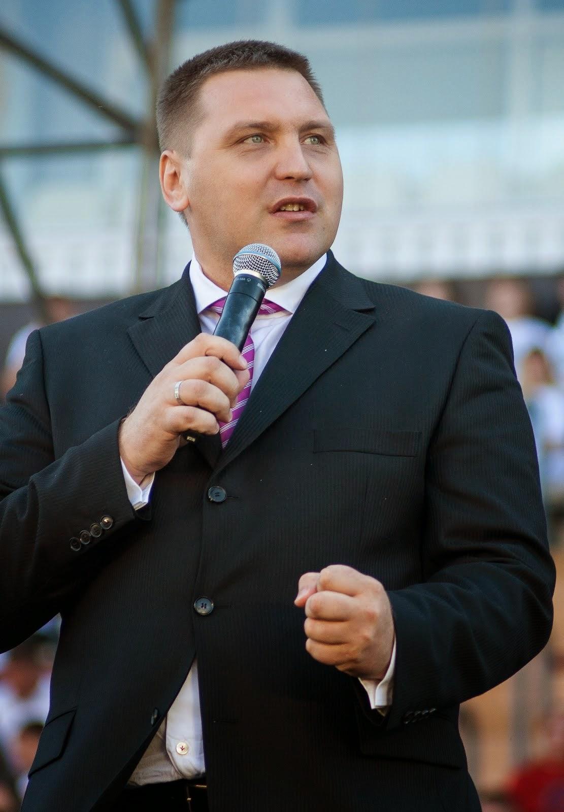 Пастор-евангелист     Дмитрий Макаренко