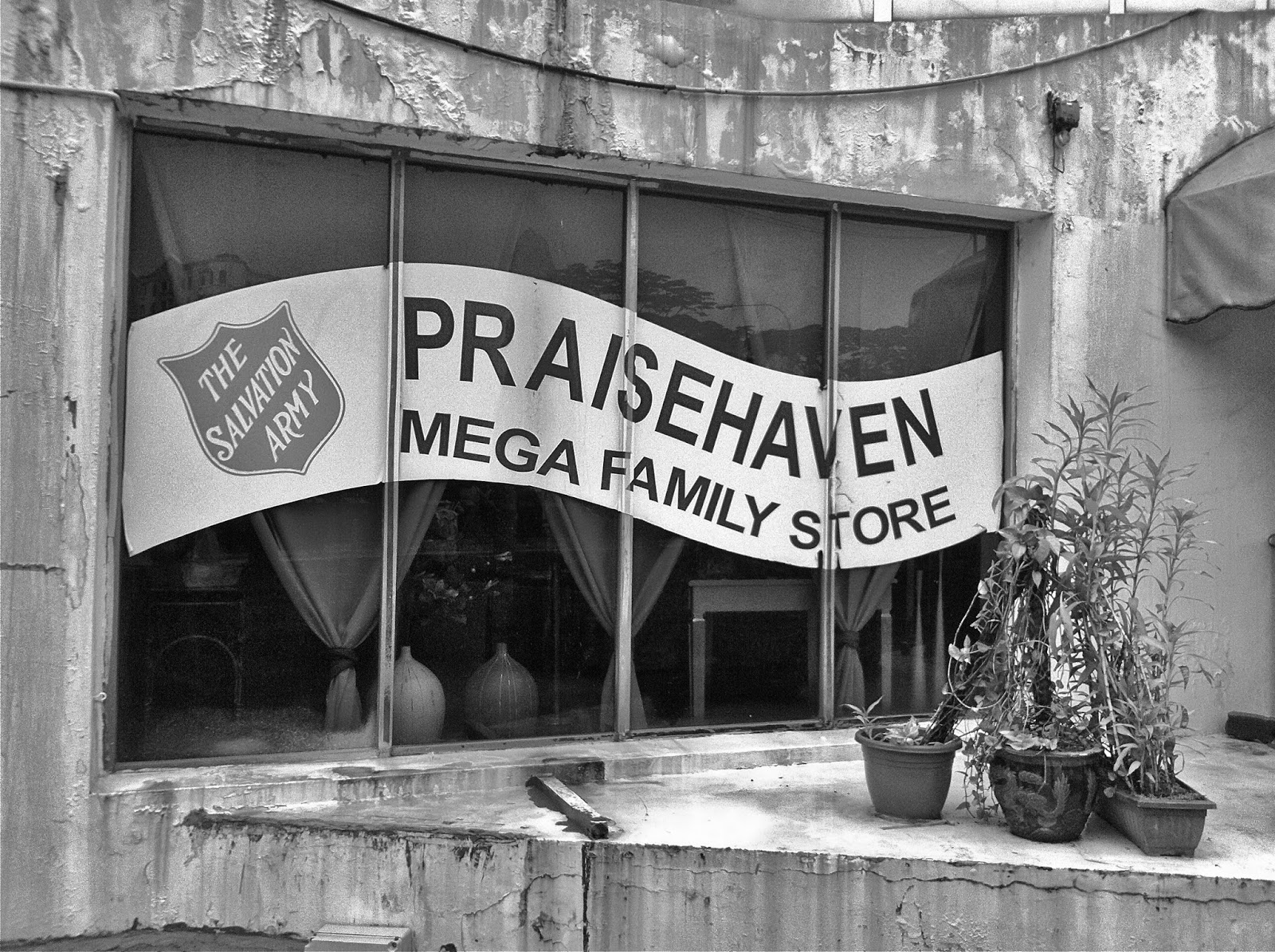 Praiseheaven Family Megastore