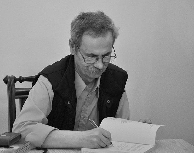 Autor Jacek Lombarski podczas spotkania z czytelnikami - Końskie, 25 października 2011 r.