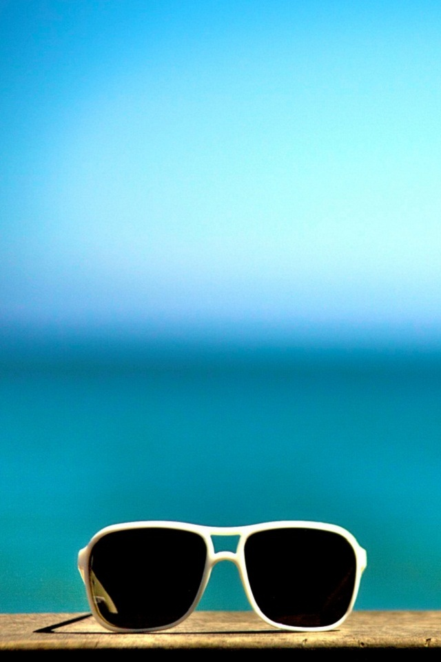 Sun Glass iPhone 4 Wallpaper