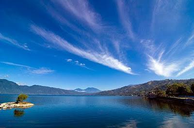 Danau Singkarak di Sumatera Barat