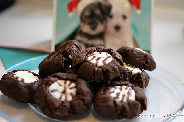 Fiesta Fudge Cookies - Chocolate Cookies with Hershey's Hugs in the centers | Persnickety Plates