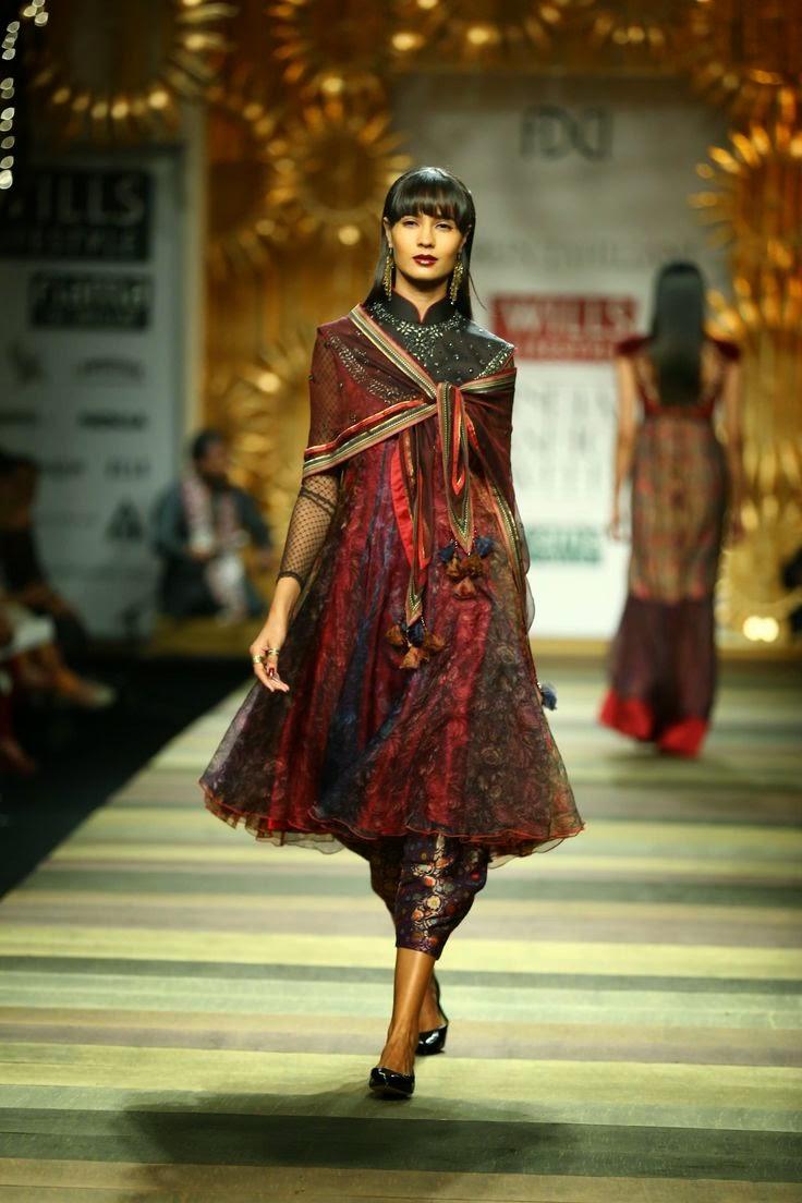 Indian fashion designer tarun tahiliani 50