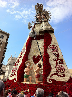 La Virgen de los Desamparados en las Fallas de Valencia