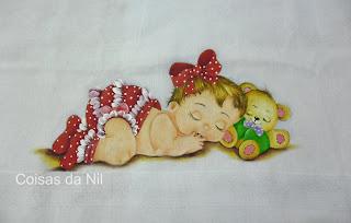 fralda pintada para menina, bebe com calcinha de frufru vermelho