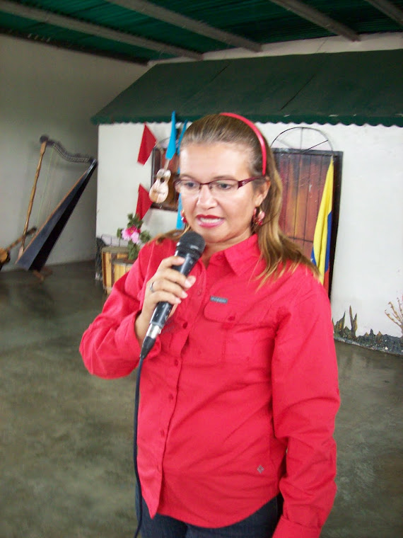 Palabras de Apertura: Lcda. Licsik Camejo Jefe de Municipio Escolar Nº 8
