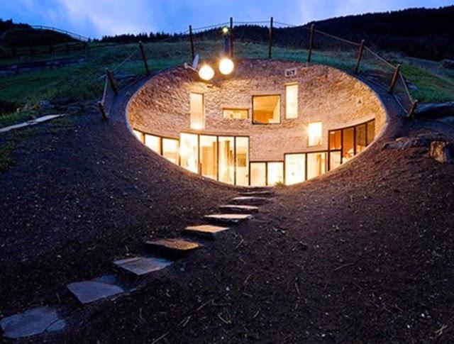 Rumah Hobbit di Vals, Switzerland