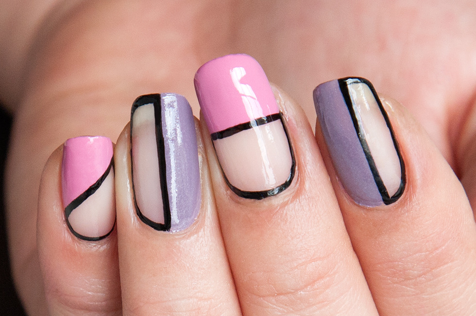 Dimitra Online: Cut-Out Nails
