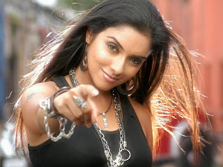 Asin Thottumkal nice pose hottest good hd photos